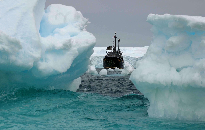 2005 2006 Antarctica Ship 140