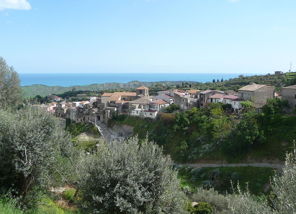 1024px-Riace_paese