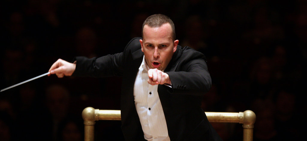 Yannick Nézet-Séguin conducting the Philadelphia Orchestra at Carnegie Hall - Impakter