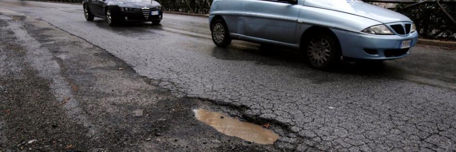 potholes-street-rome-il-foglio