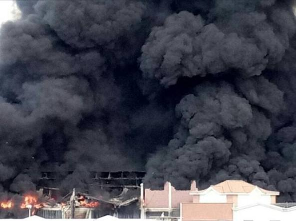Pomezia Fire in the incinerator incendio-U43040552767777msB-U43310997199875Zt-1224x916@Corriere-Web-Roma-593x443