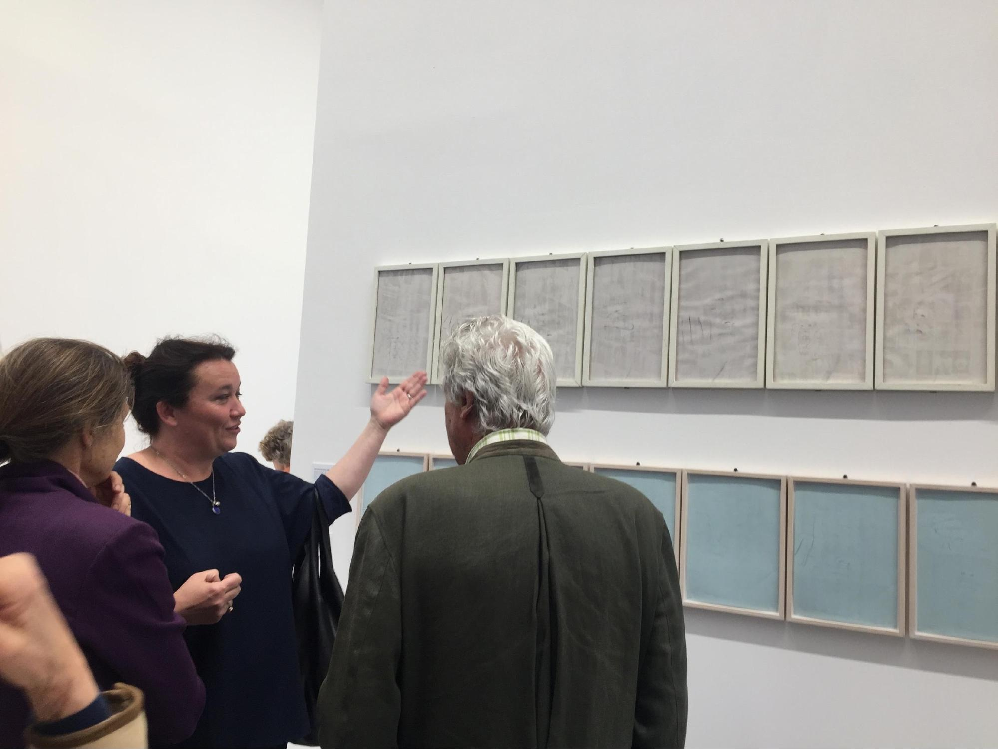 IN THE PHOTO:  AGATA BOETTI EXPLAINING ALIGHIERO'S BOETTI FINGERSPELLING SELF-PORTRAIT. (BIENNALE DI VENEZIA 2017) PHOTO CREDIT: OLIVA SARTOGO