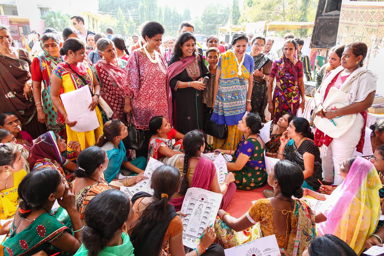 Ms. Mlambo-Ngcuka visits an Info Mela (Fair) in Shihore, Gujrat.