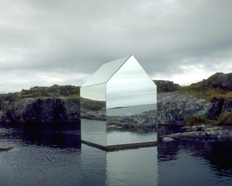 "Ekkehard Altenburger ""Mirror House"""