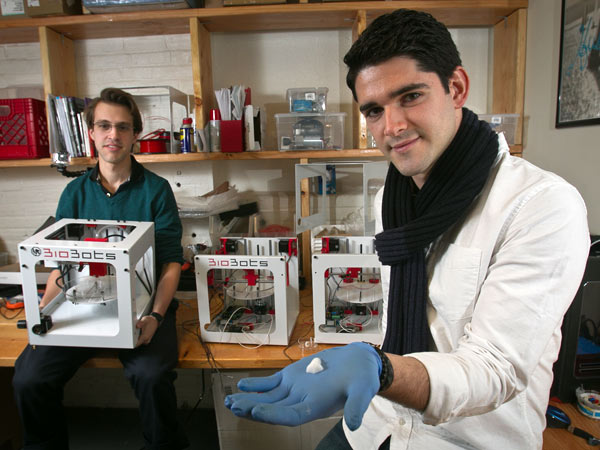 From right to left: Ricky Solorzano and Danny Cabrera, co-founders of Biobots