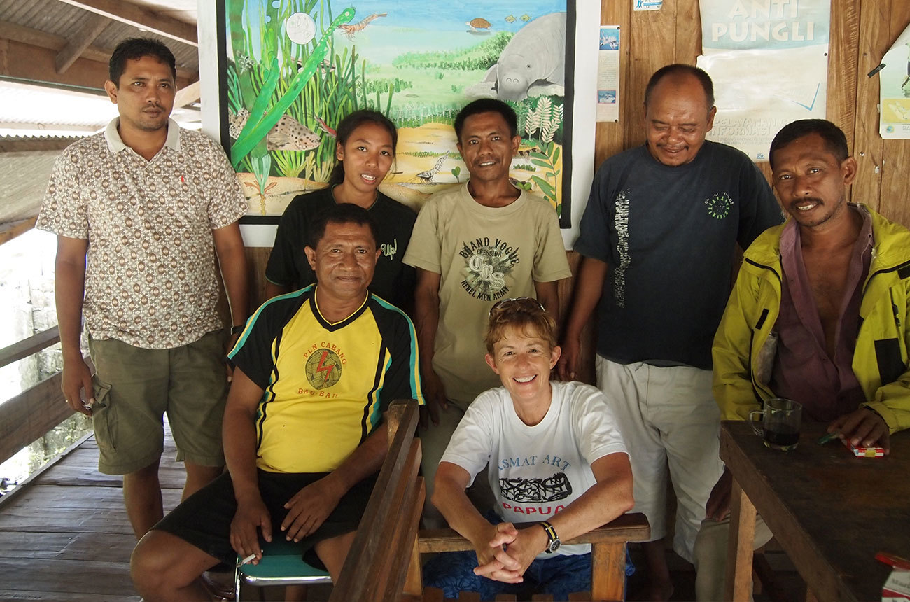 Cunningham-with-a-fishermen's-collective-on-the-island-of-Kaledupa-in-Sulawesi.