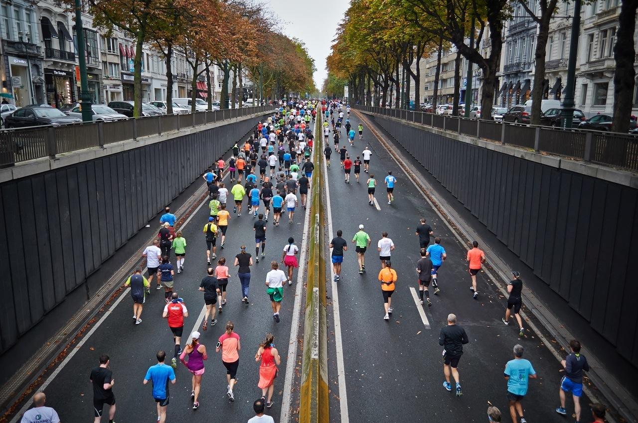 running-road-builiding-run