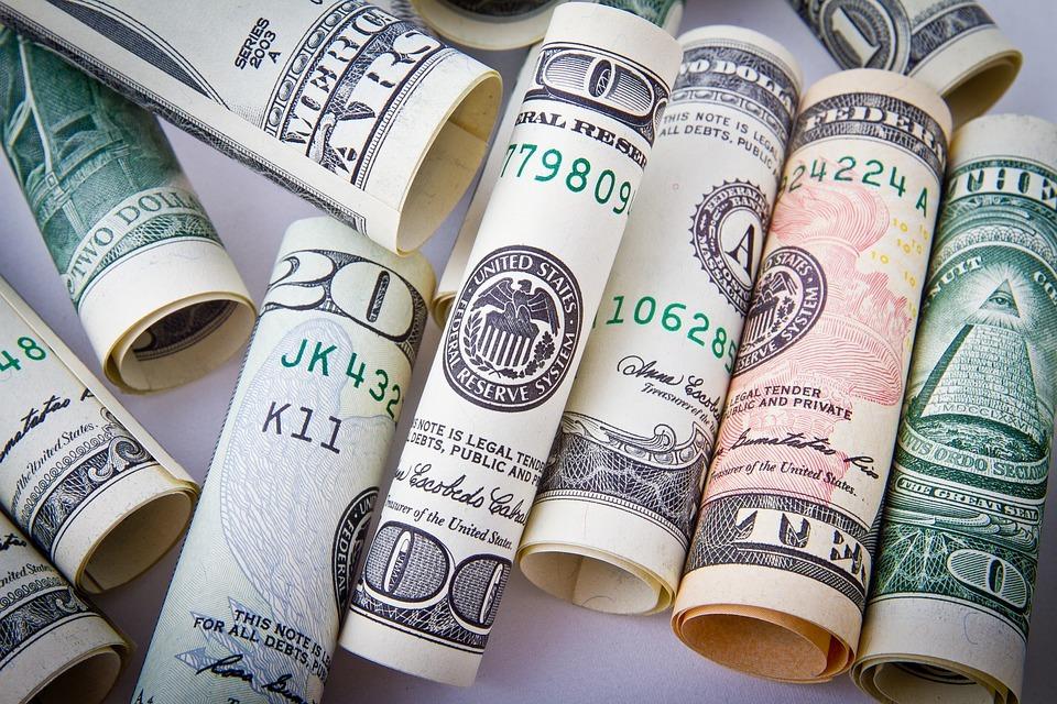 dollar-money-trump-nespotism