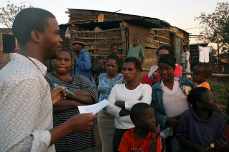 HIV_FieldWorker_450x300