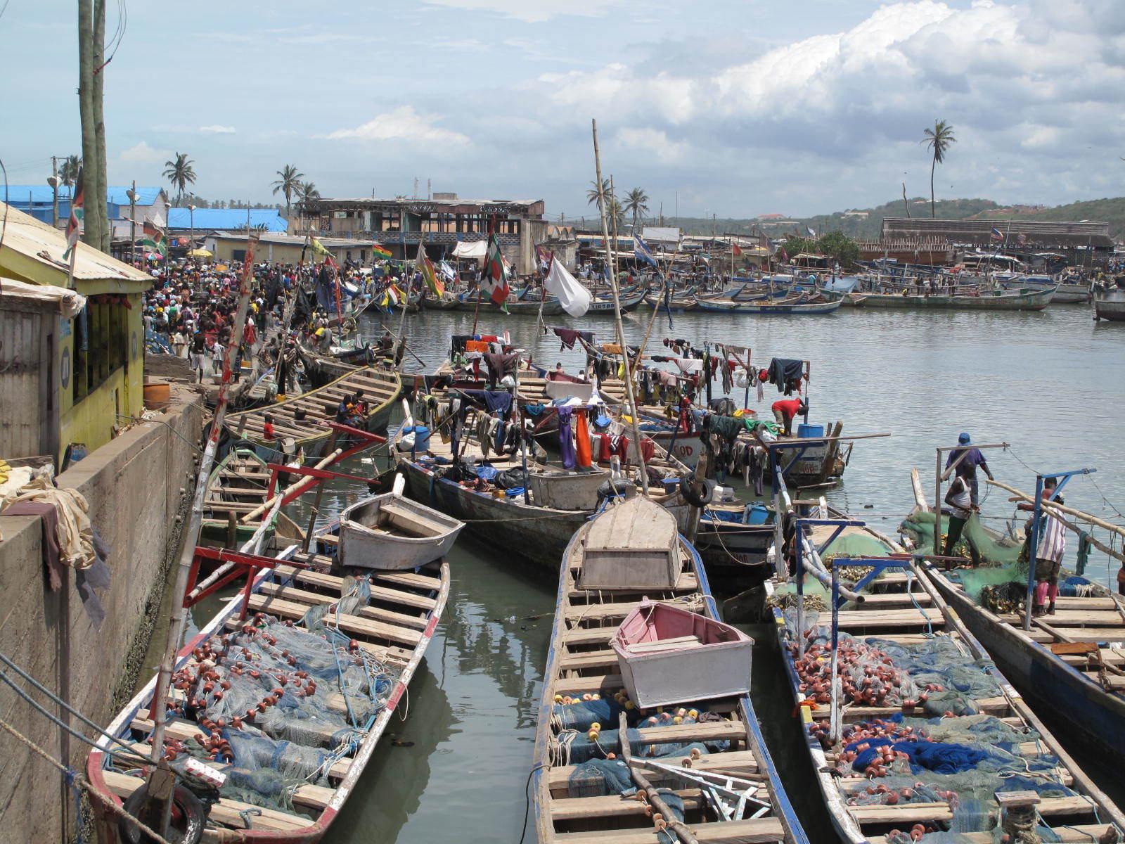 Local fishing vessels in Accra, Ghana_c_Beth Polidoro