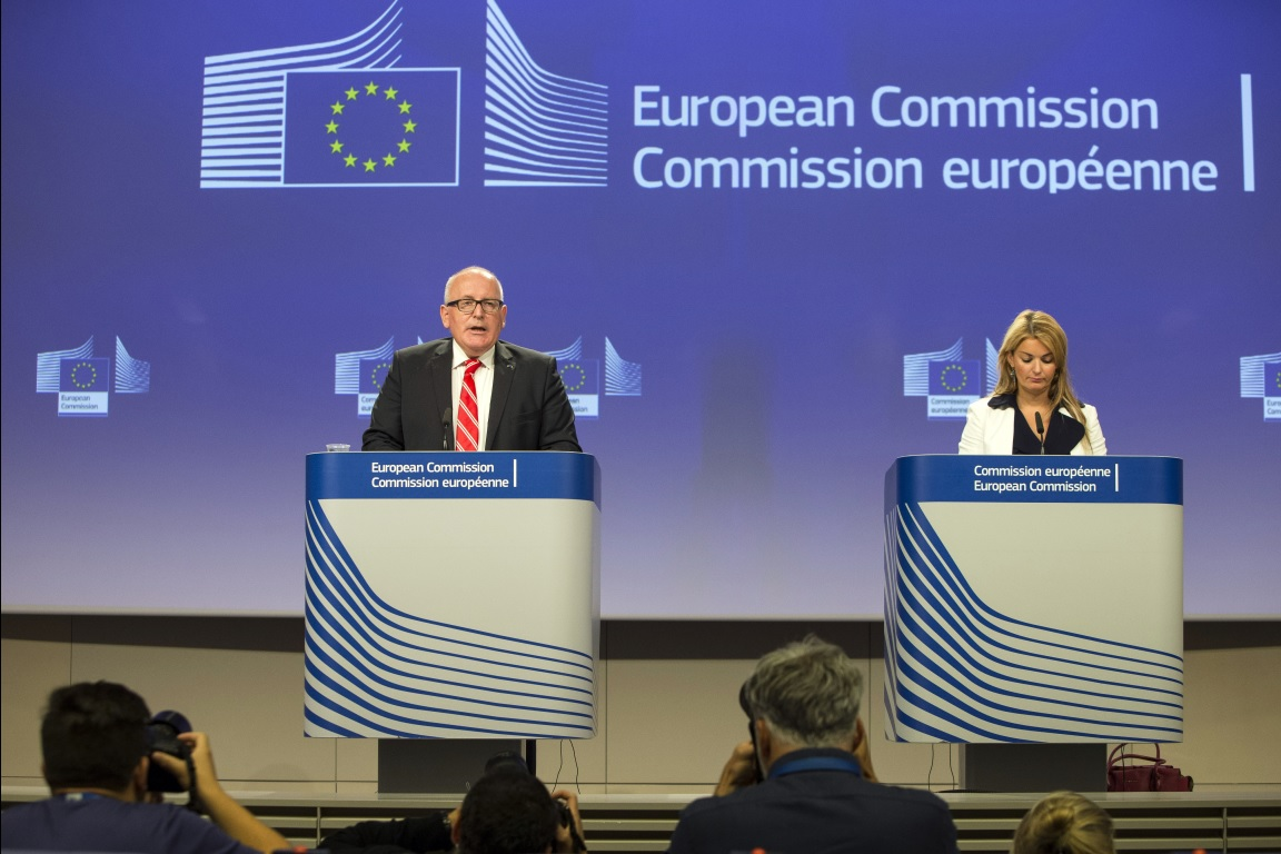 Frans Timmermans, on the left, and Mina Andreeva 2