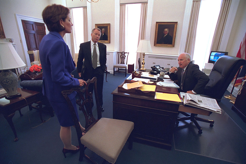 Vice_President_Cheney_Talks_with_I._Lewis__Scooter__Libby_and_Mary_Matalin_(19295977883)