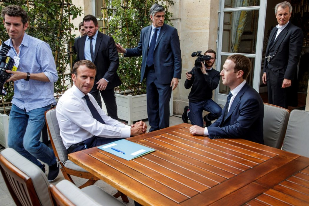 2018-05-24T074609Z_526385213_RC1E28BA0450_RTRMADP_3_FRANCE-TECH-MACRON-ZUCKERBERG