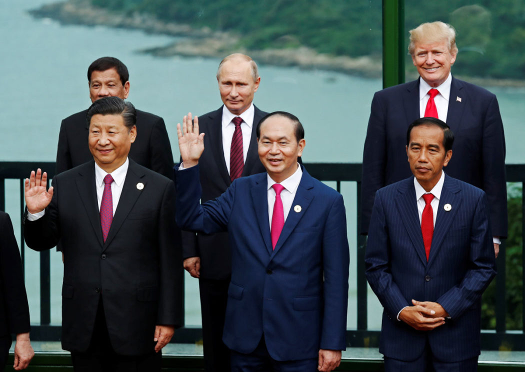 Trump at APEC meeting 11 November 2017 -vietnam-duterte-xi-trump-putin