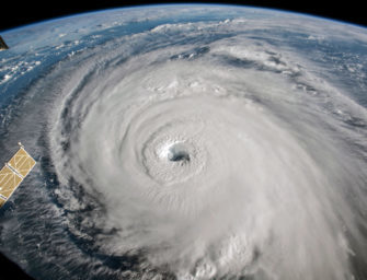 Florence is coming. Here are the 6+1 best apps for the hurricane season