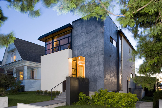 In The Photo: A 1920u0027s Home In Very Poor Condition Was Demolished And  Replaced With This Modern Design, On Top Of Seattleu0027s Queen Anne Hill  Neighborhood.